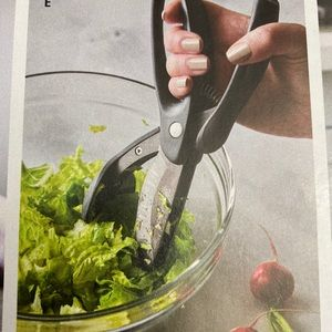 The Pampered Chef Double Blade Salad Chopper Shear